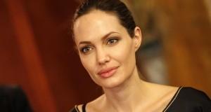 Polémique sur le tweet à propos d'Angelina Jolie