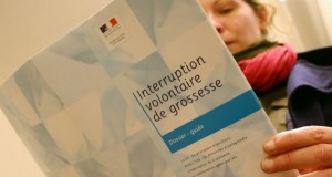 «Délit d'entrave numérique» à l'avortement – Tribune de Jean-Frédéric Poisson pour Valeurs actuelles