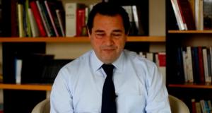 VIDEO – « Vendredi, c'est Poisson » du 16 novembre 2018 – Diplomatie : Macron-Jupiter se prend les pieds dans le tapis #35